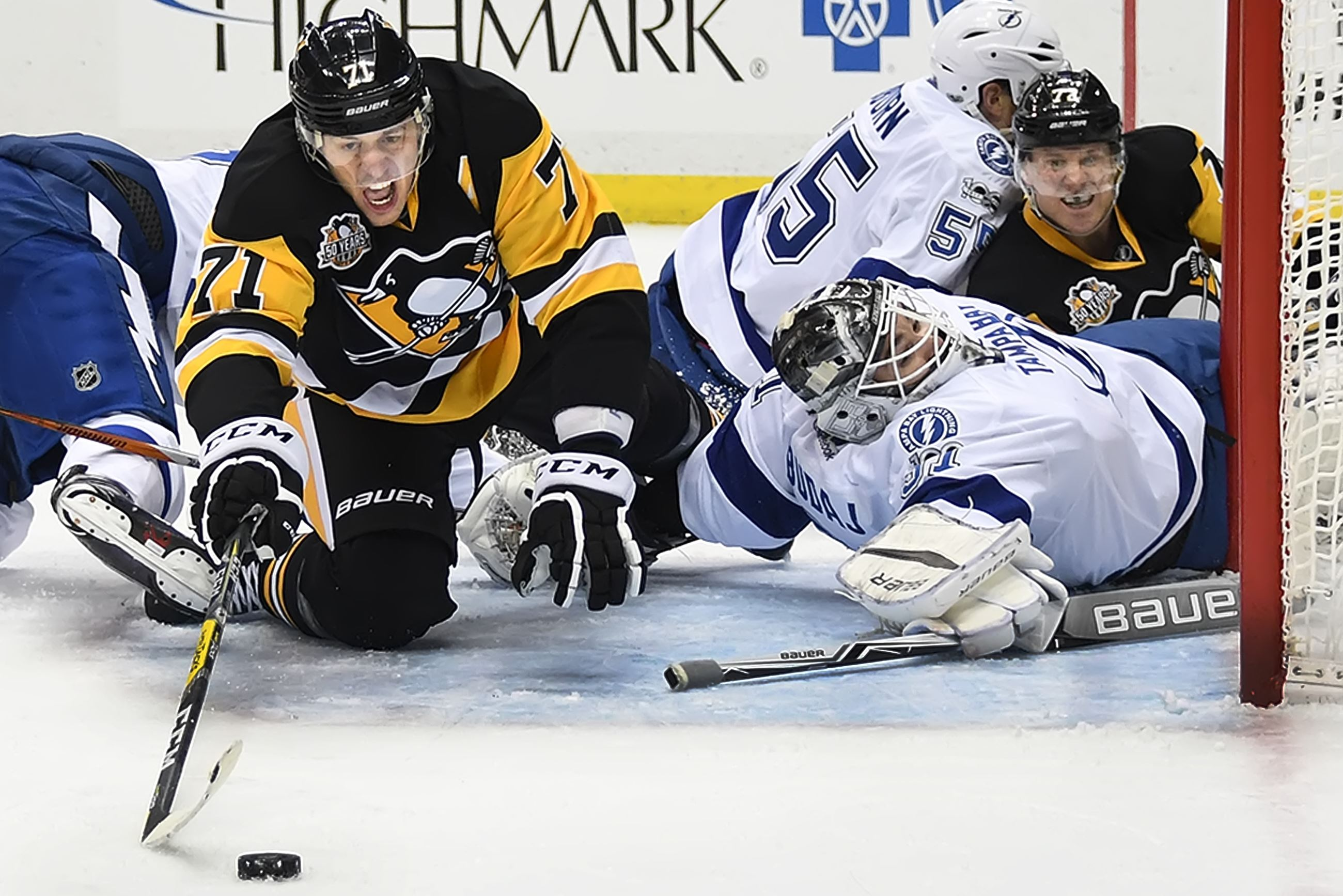 Penguins Ron Hainsey sidelined with upper-body injury
