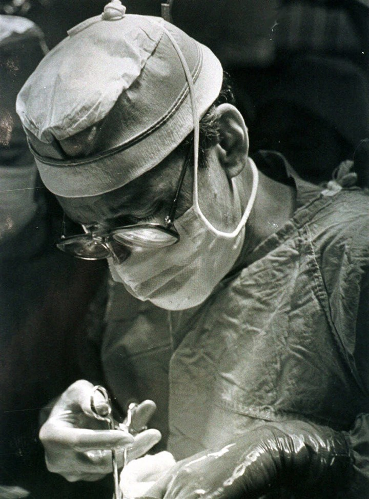 MEDICAL MILLENNIUM TRANSPLANTS Transplant pioneer Dr. Thomas Starzl performs a liver transplant at the University of Pittsburgh Medical Center in Pittsburgh in 1982.