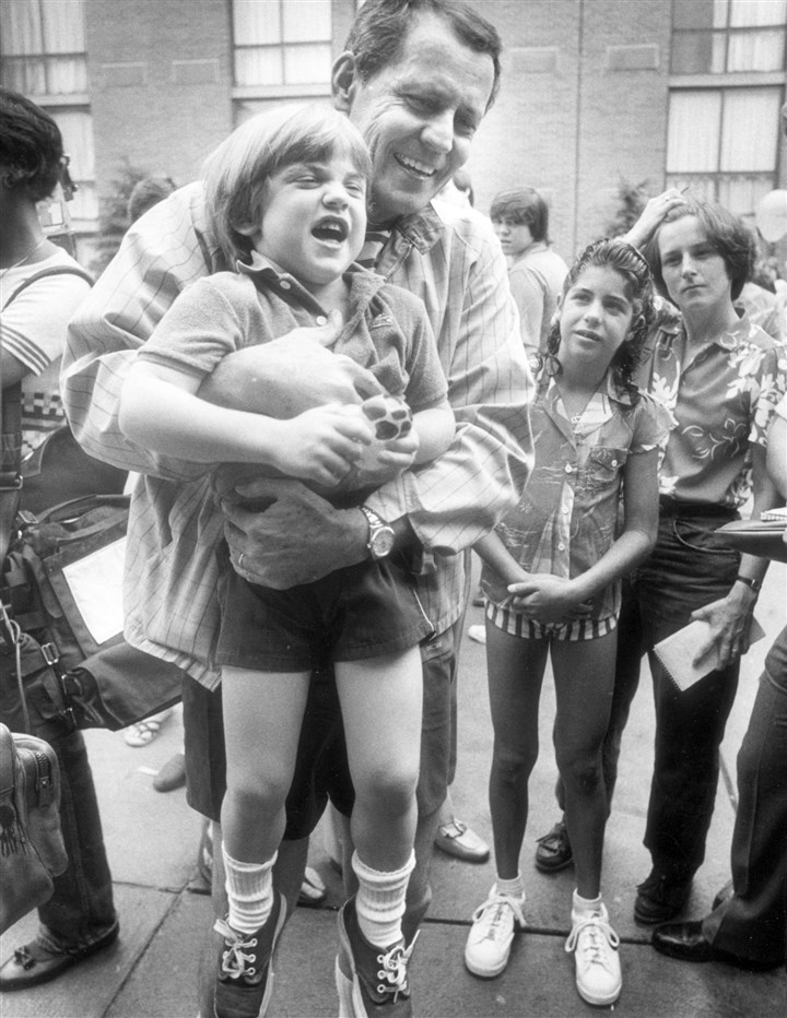 Thomas Starzl Dr. Thomas Starzl hugs Todd McNeeley, 4, of Darien, Conn., at a party given for him by liver transplant patients June 19, 1983.