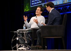 Pittsburgh native Mark Cuban, left, the owner of the Dallas Mavericks, spoke with Nate Silver, founder of the website FiveThirtyEight, on Saturday at the Sloan Sports Analytics Conference in Boston.
