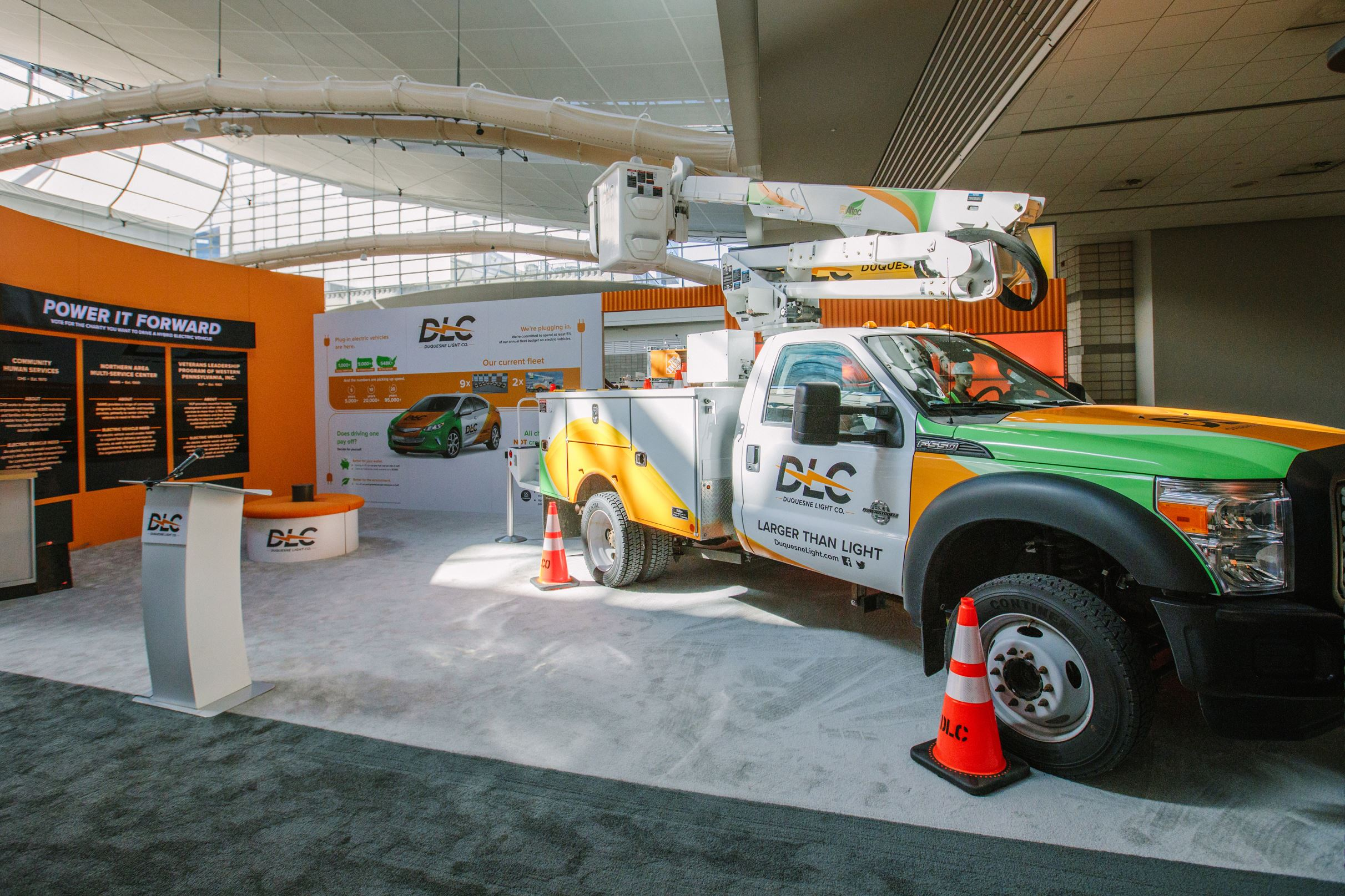 "20170309arElectricTrucks01 An electric powered utility truck on display as a part of Duquesne Light's ""Electric Lane"" display at the Home and Garden show at the convention center on Thursday."