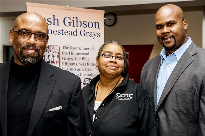 20170311jmbBlackHonors-03-2 Quintin B. Bullock, CCAC president, Mary Henderson and Sean Gibson.