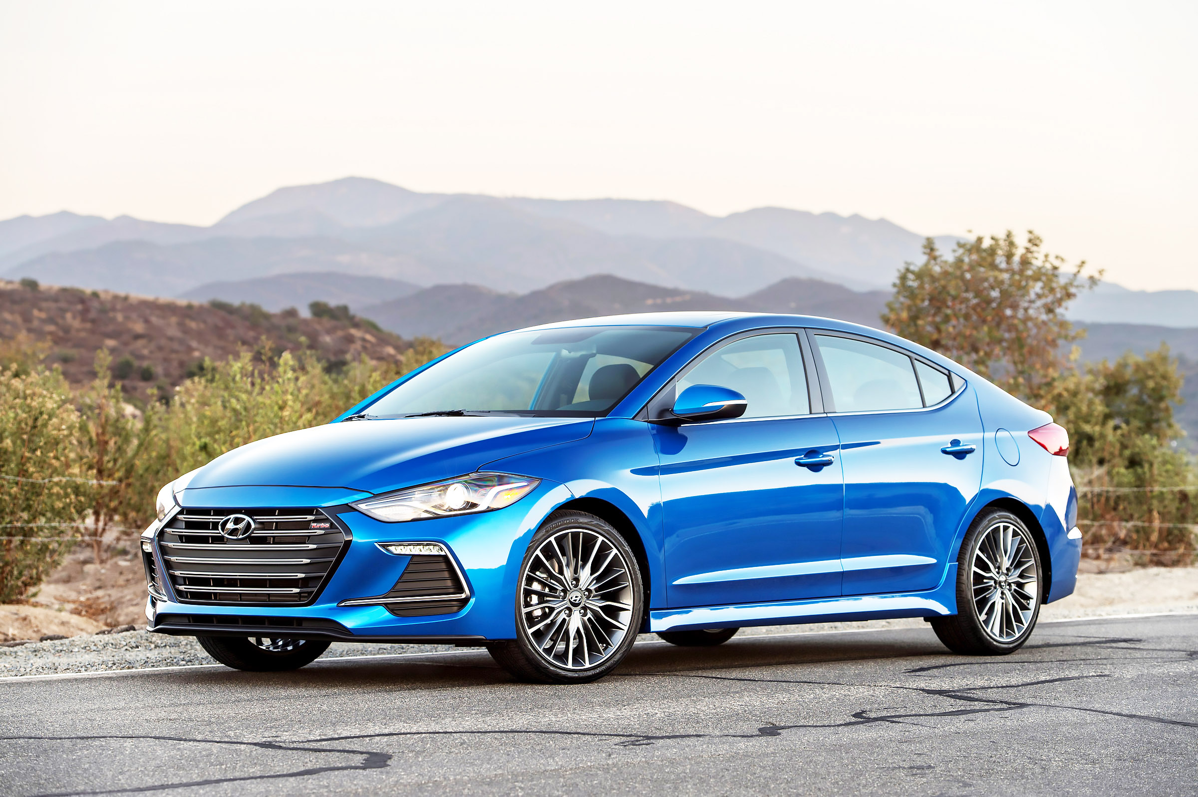 driver 39 s seat 2017 hyundai elantra upgrades with sporty fun pittsburgh post gazette. Black Bedroom Furniture Sets. Home Design Ideas