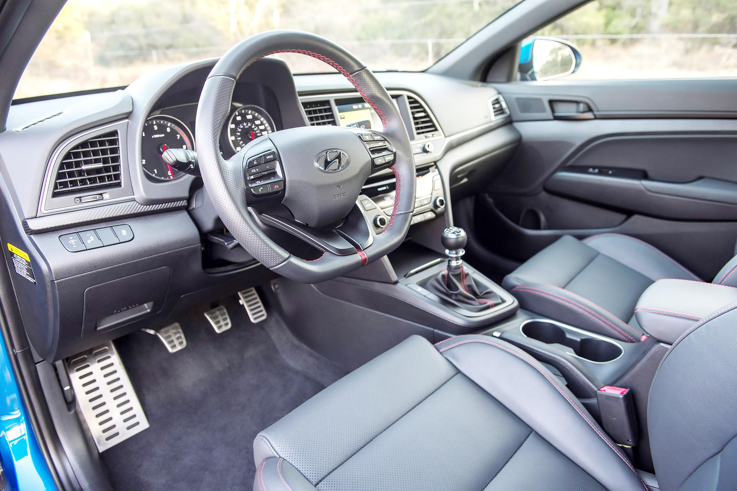 Driver 39 S Seat 2017 Hyundai Elantra Upgrades With Sporty Fun Pittsburgh Post Gazette