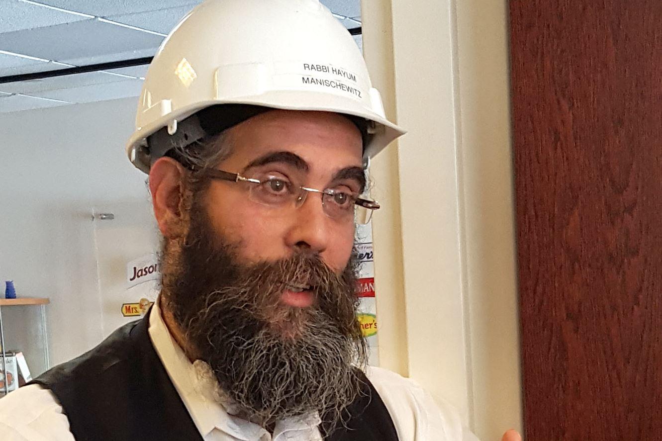 Matzoh Matza Rabbi Hayum-5 Rabbi Hayum talking about matzo at the Manischewitz factory.