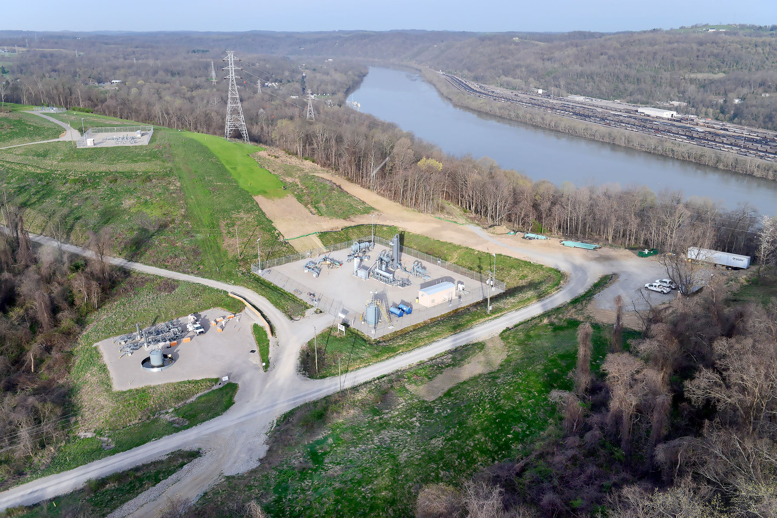 20170411rldLeakDetection12-2 An EQT Corp. natural gas compressor station along the Monongahela River in Forward.