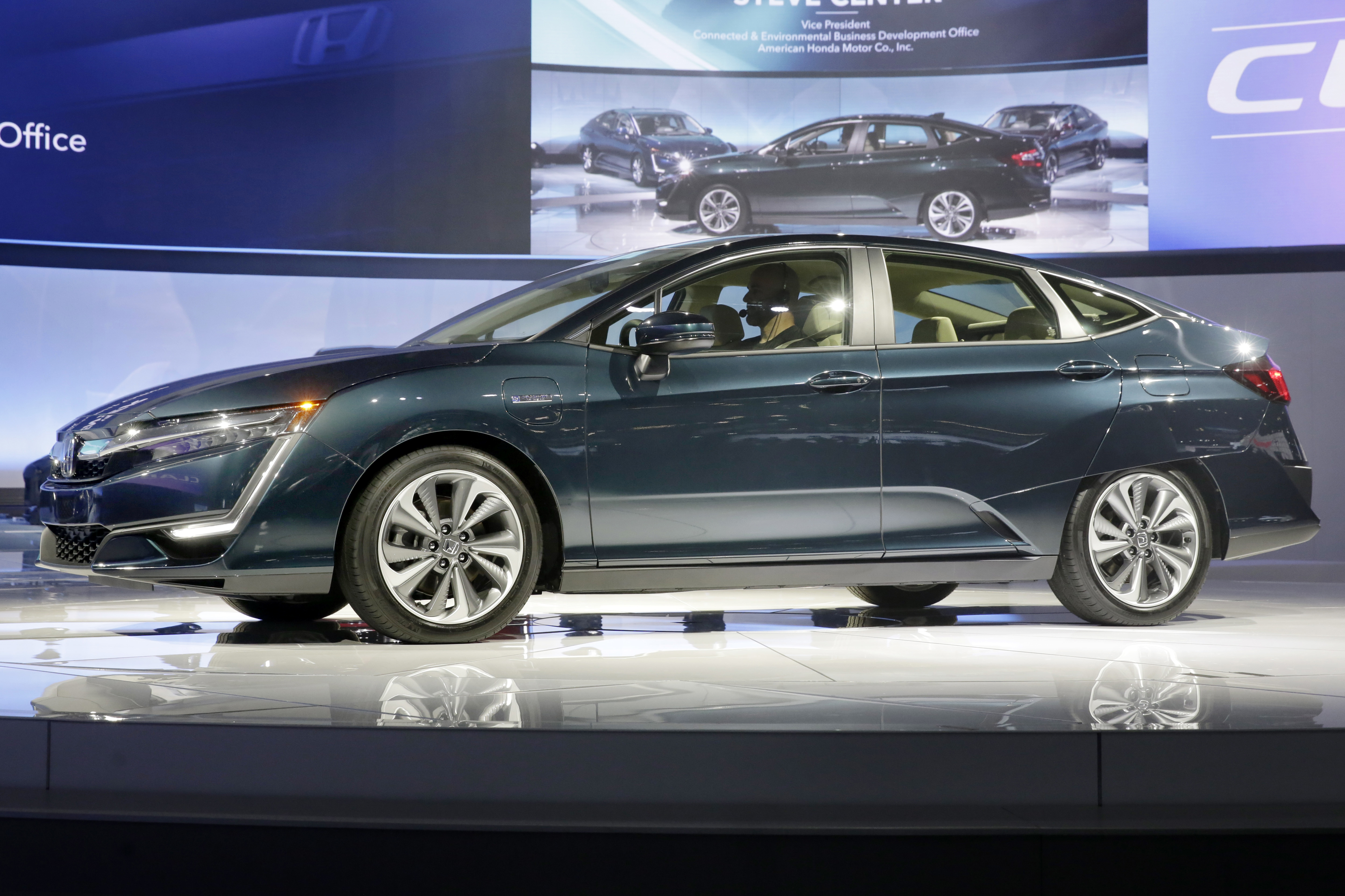 Auto Show Honda-2 The hybrid model of the Honda Clarity is shown during a media preview at the New York International Auto Show, at the Jacob Javits Center in New York, Wednesday, April 12, 2017. (AP Photo/Richard Drew)