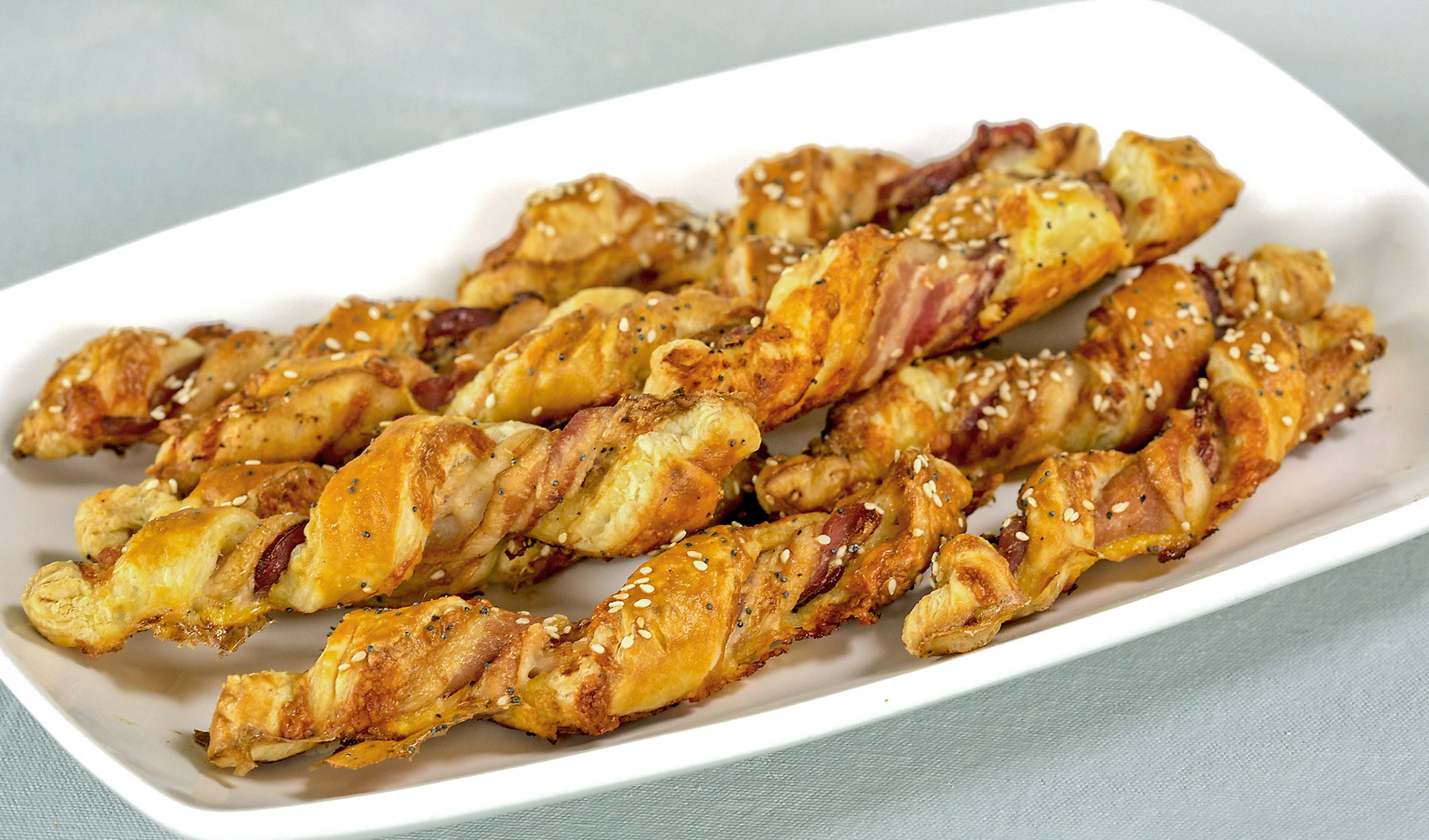 PHOTO____FOOD_SPRING-BRUNCH-RECIPES_7_DE-8 Bacon and cheddar twists.
