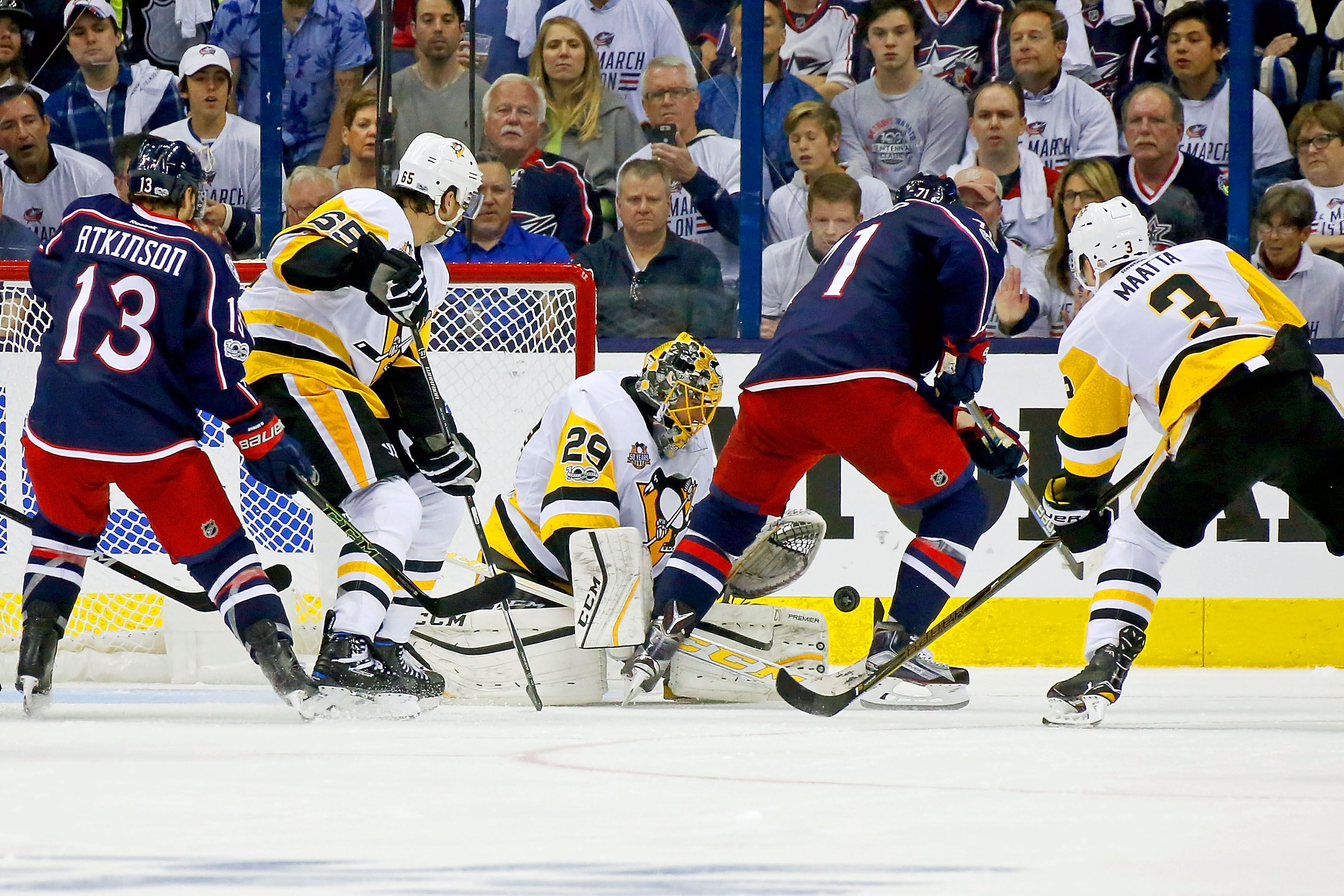 Blue Jackets remain alive with win over Penguins