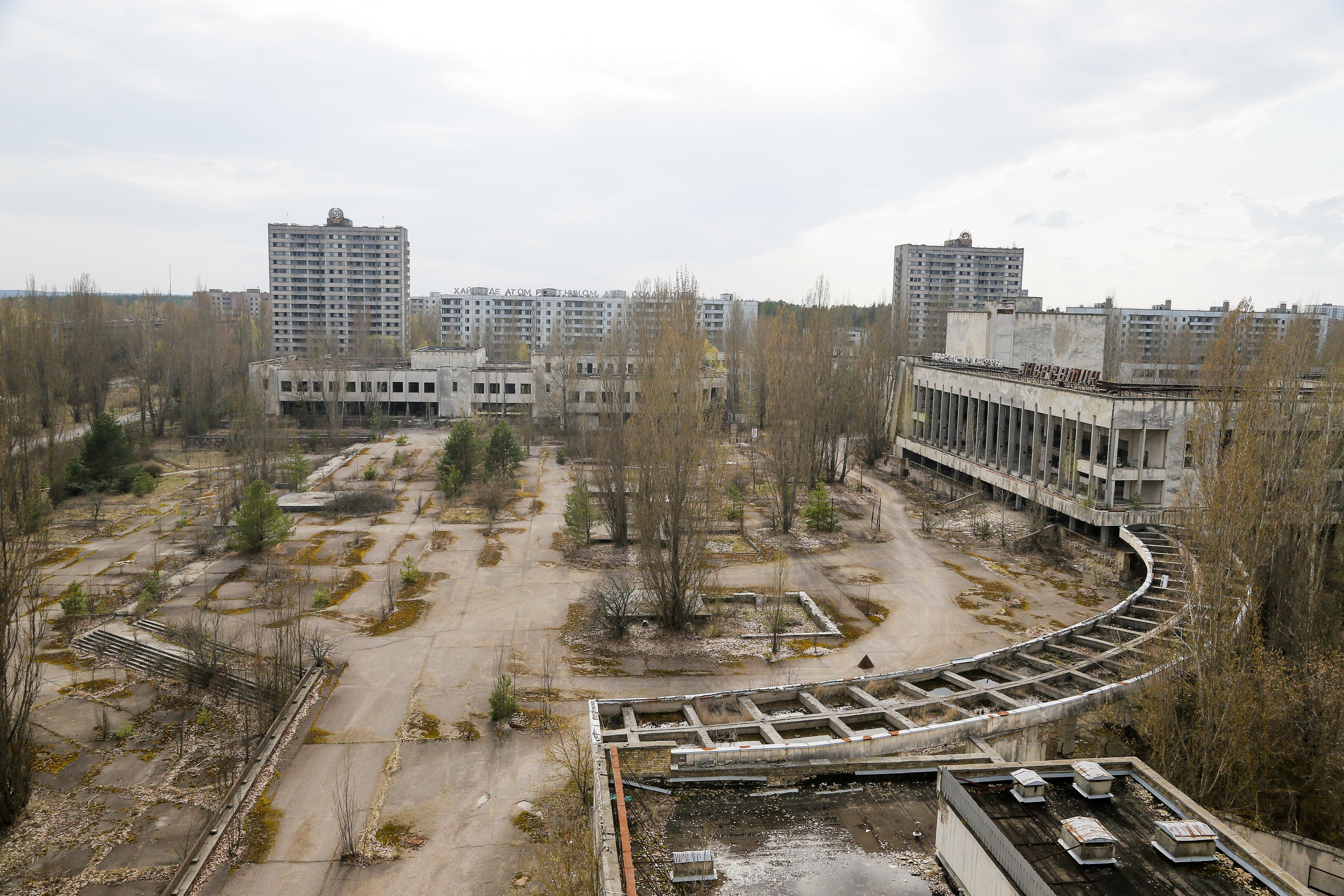 Chernobyl Aftermath-1 This photo taken Wednesday, April 5, 2017, shows a central square in the deserted town of Pripyat, some 3 kilometers (1.86 miles) from the Chernobyl nuclear power plant Ukraine. Once home to some 50,000 people whose lives were connected to the Chernobyl nuclear power plant, Pripyat was hastily evacuated one day after a reactor at the plant 3 kilometers (2 miles away) exploded on April 26, 1986. The explosion and the subsequent fire spewed a radioactive plume over much of northern Europe. (AP Photo/Efrem Lukatsky)