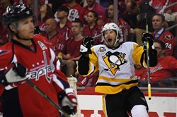 Center Matt Cullen celebrates after scoring in the second period of Game 2 of the Eastern Conference semifinal series against the Capitals Saturday in Washington.