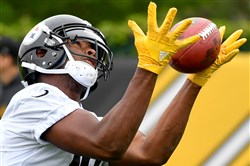 JuJu Smith-Schuster is one Steeler rookie to catch Ryan Shazier's eye.