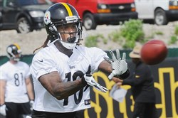 Martavis Bryant catches a pass during Steelers OTAs last month.