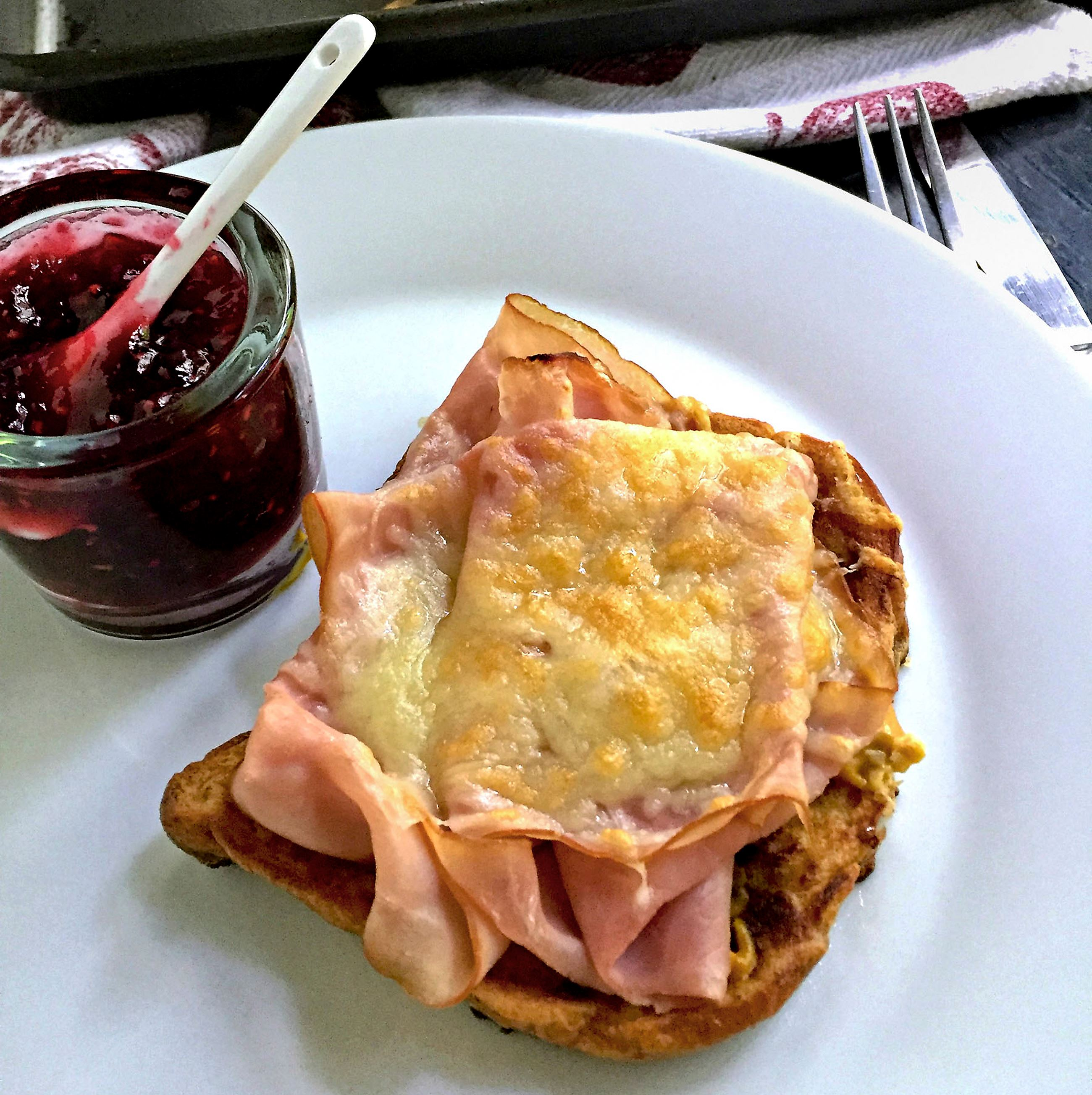 French-Toast-with-Ham-Cheese-2 French toast with ham and cheese.