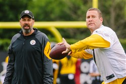 Ben Roethlisberger and Todd Haley at OTAs last week.
