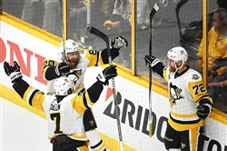 Patric Hornqvist, left, scored the winner against the Predators in Game 6 of the Stanley Cup final.