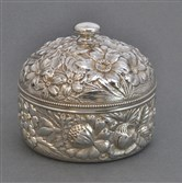Puff box, 1890, silver, Gorham Manufacturing Company, American (Providence).