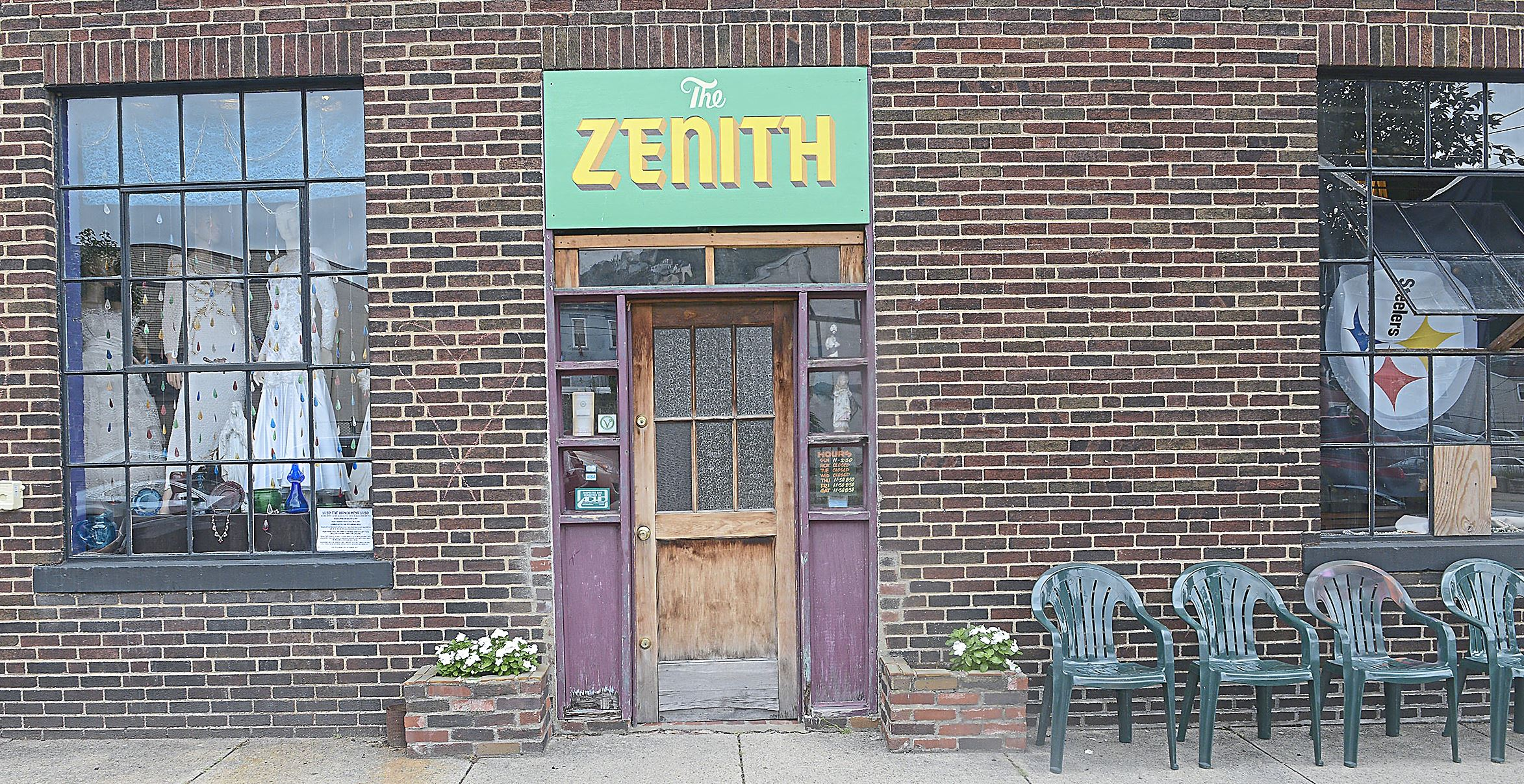 20170723lrfoodzenith01 The Zenith, part restaurant and part antique shop, located on the South Side at the corner of Sarah and 26th.