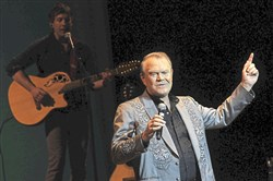 Glen Campbell at the Byham Theater, May  2012, on his farewell tour.