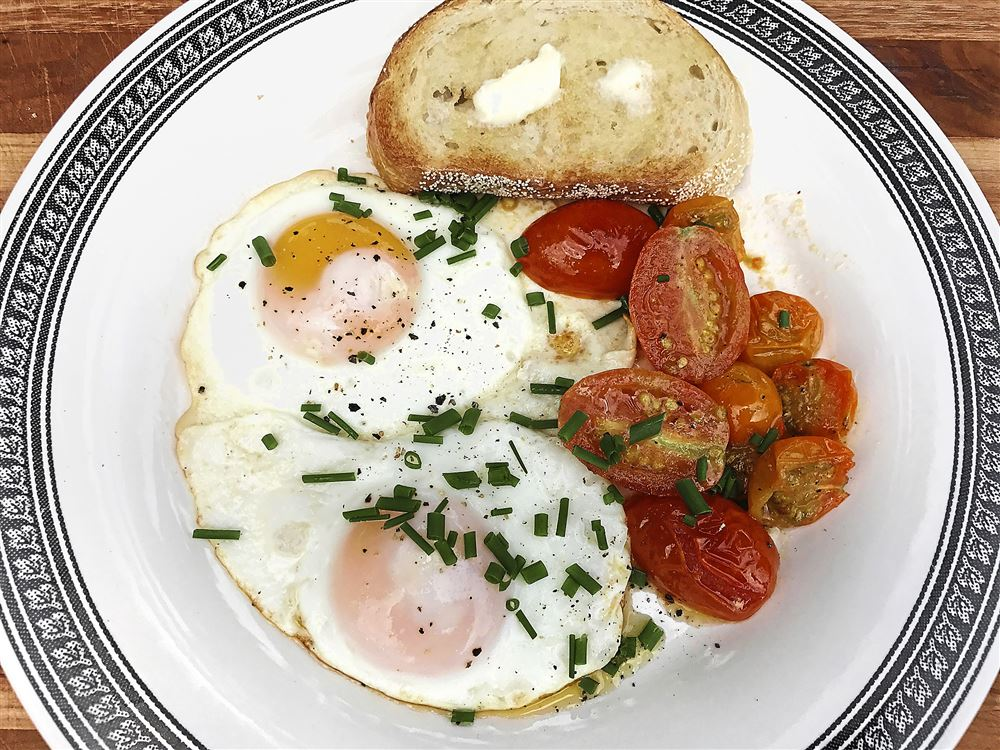 Sunny-Side Eggs and Tomatoes