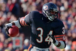 Walter Payton carries against Seattle in 1987.