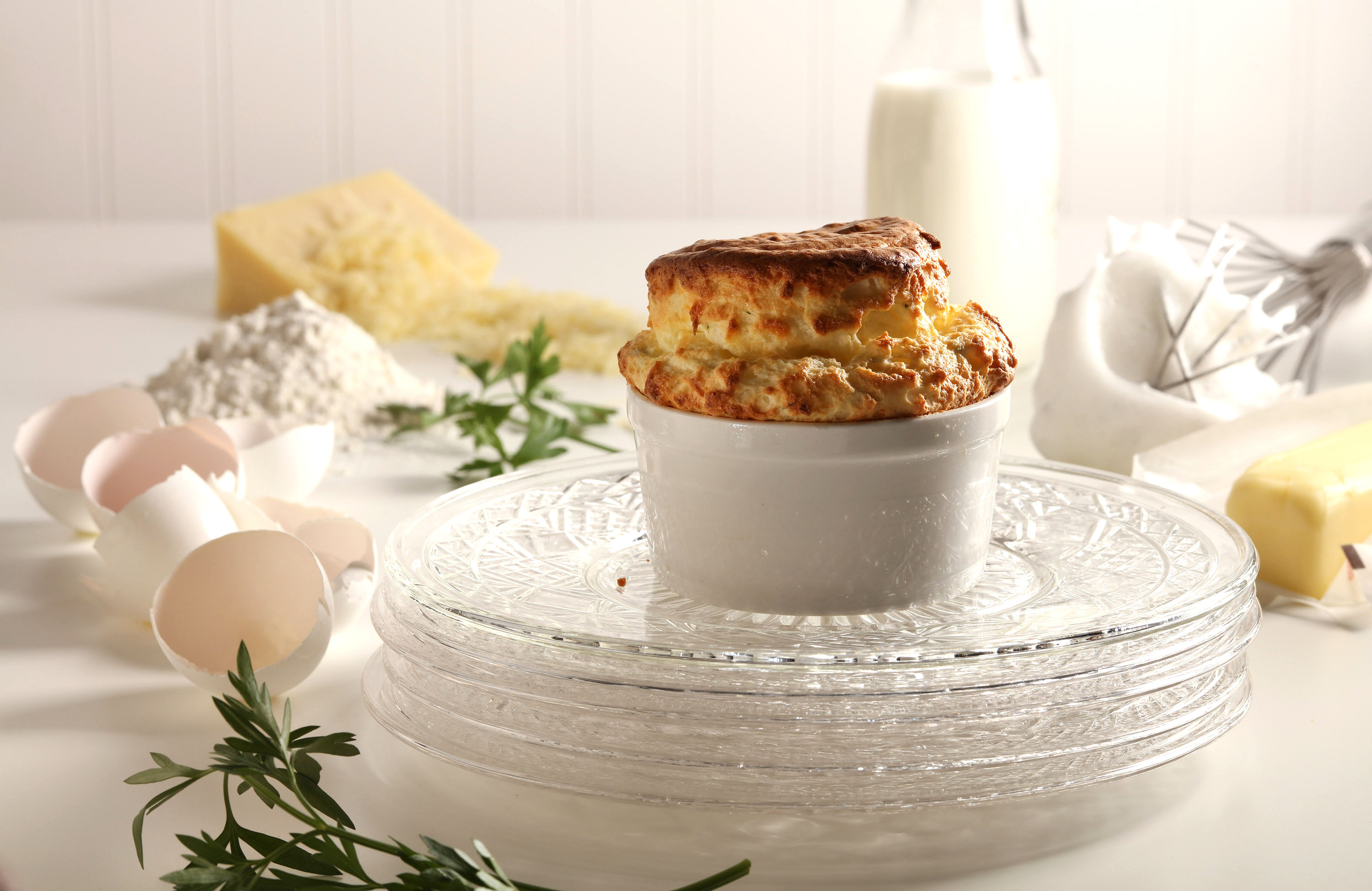 FOOD_CHEESE-SOUFFLE_TB Souffles, besides being delicious and deceptively easy to pull off, are totally old school, classy with a delicate strength, like Audrey Hepburn in a ramekin. (Food styling by Mark Graham.) (Abel Uribe/Chicago Tribune/TNS)