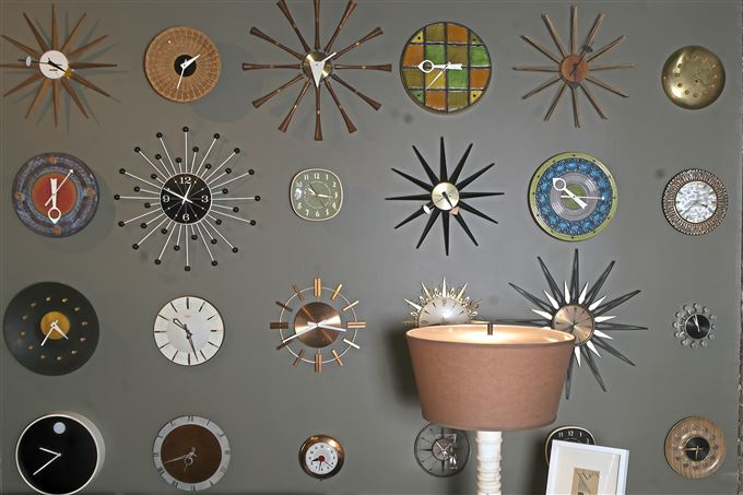 A collection of mid-20th-century clocks.