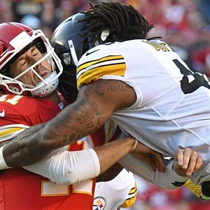 Bud Dupree hits Chiefs quarterback Alex Smith in a game at Arrowhead Stadium last month.