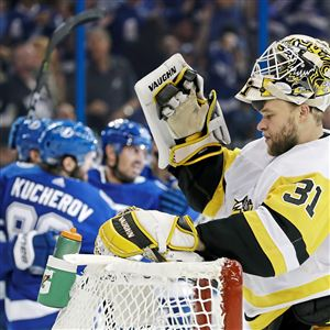 Antti Niemi reacts after Lightning right wing Nikita Kucherov scored against him during the second period Saturday.