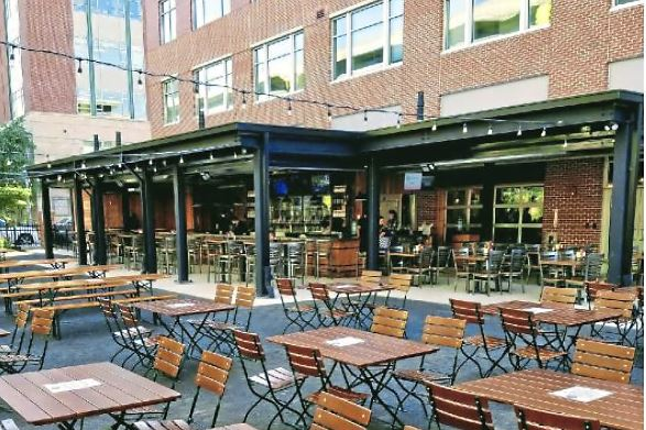 PGH_outdoor 2-1 Southern Tier Pittsburgh on the North Shore this past weekend opened its outdoor beer garden and bar, which adds 7,000 square feet of space with 30 seats at a new 30-tap bar with an additional 60 seats under its all-season roof.
