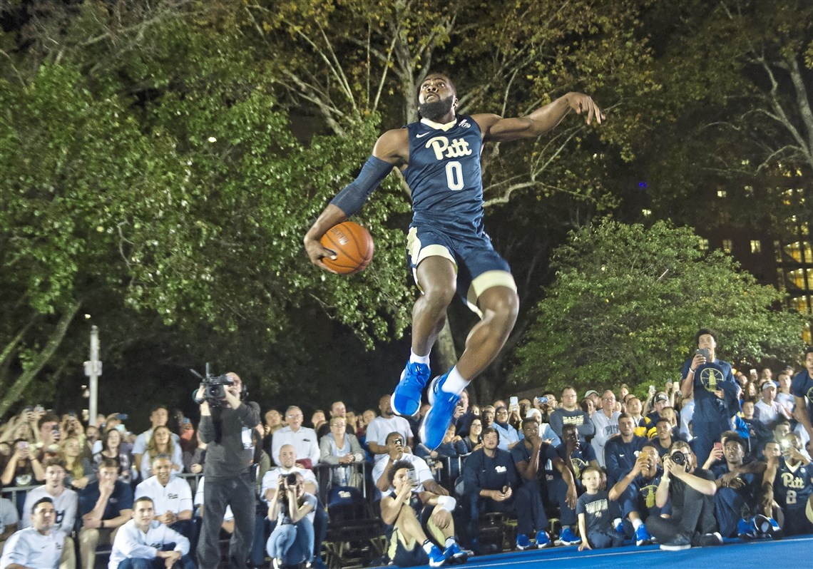 jared wilson frame dunks at the courtside at the cathedral event marking the unofficial start - Wilson Frame
