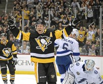 Another Penguins celebration: Forward Patric Hornqvist is receiving a contract extension before he hits free agency.