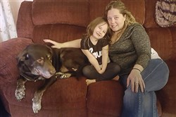Katelyn Kelley and her mother Sara Stamos and dog, Rust-E.