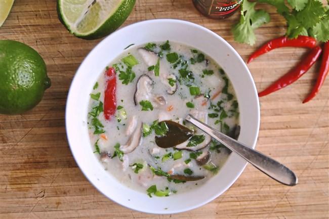 Tom Kha Gai (Thai Chicken Coconut Soup) .