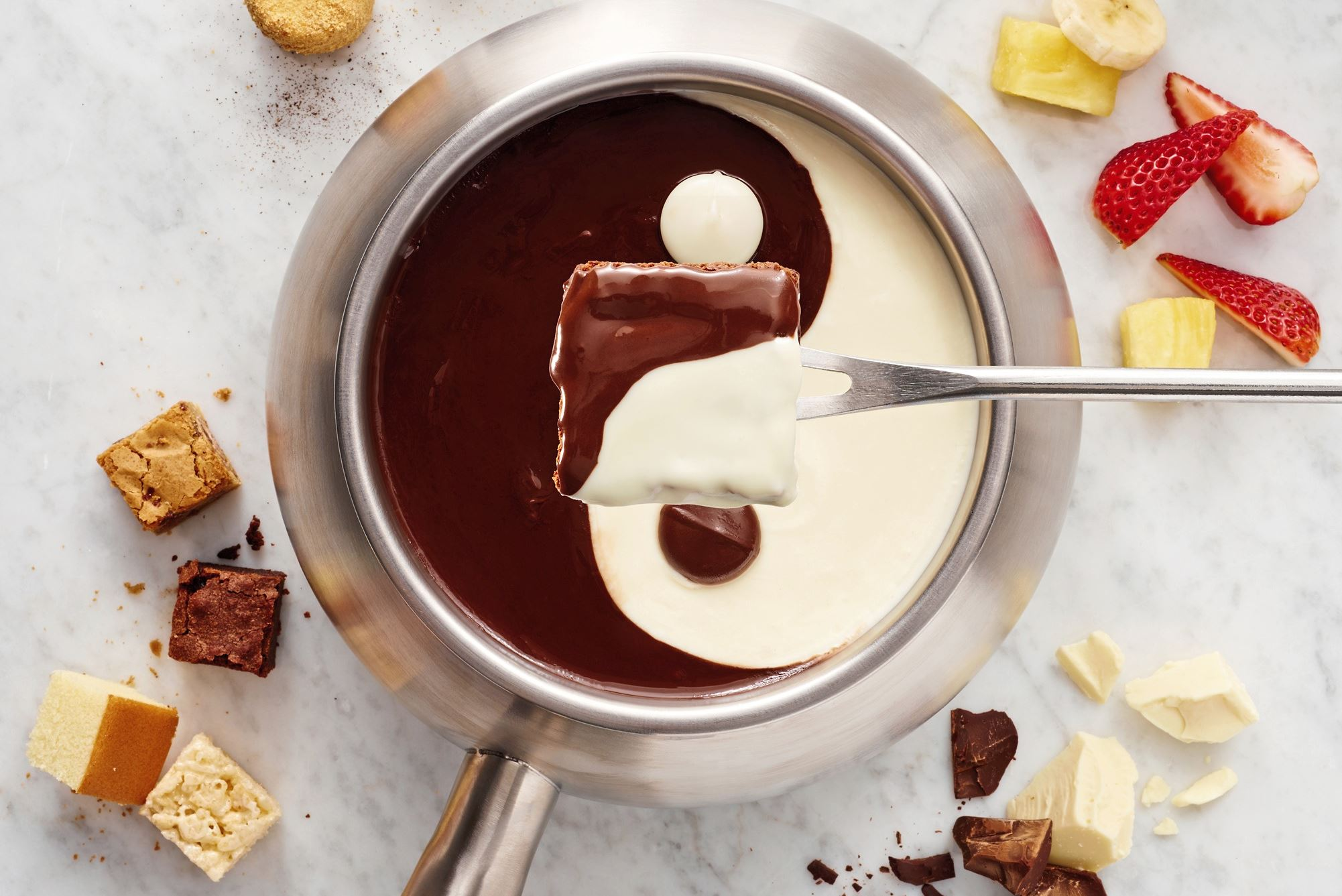 FTB 28903_03 2017 Brand Yin Yang BH_v1_Revised Yin & Yang is one of the chocolate fondues available for New Year's Eve at The Melting Pot in Station Square.