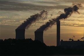 The coal-fired Plant Scherer in Juliette, Ga., in 2017. Lobbyists spent more than $2 billion trying to influence Congress on climate change from 2000 to 2016, with fossil-fuel industry groups outspending environmental groups by 10-1, according to a study by a Drexel University professor.