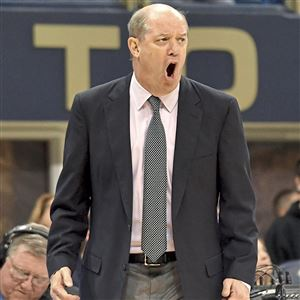 Pitt men's basketball coach Kevin Stallings indirectly is linked to college basketball corruption probe.