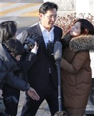 Lee Jae-Yong, vice chairman of the world's biggest smartphone and memory chip maker, Samsung Electronics, leaves a detention centre in Uiwang, south of Seoul, on February 5, 2018, after an appellate court handed him a suspended sentence.