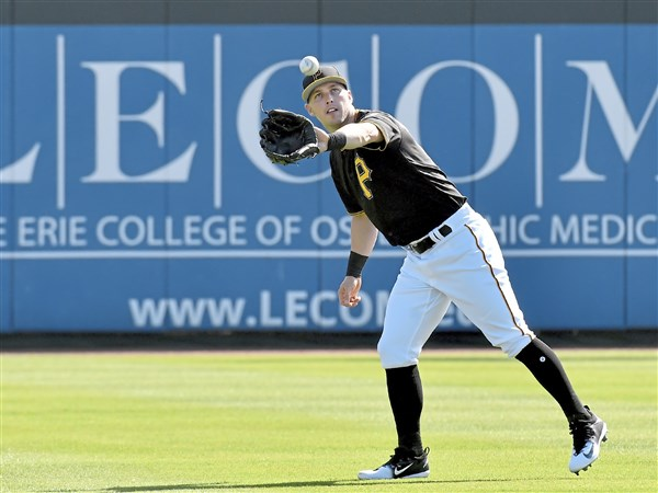 Corey Dickerson reports to Pirates camp, says ending with Rays was 'embarrassing'