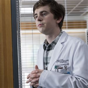 "Freddie Highmore plays Dr. Shaun Murphy, a surgeon with autism, on ""The Good Doctor."" The show wraps up its first season on Monday."
