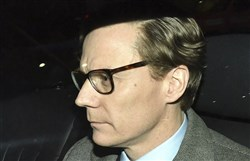 The Chief executive of Cambridge Analytica, Alexander Nix, leaves the offices in central London on March 20, 2018.