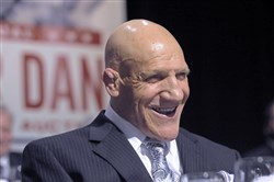 Bruno Sammartino receives the Lifetime Achievement Award at the 74th annual Dapper Dan Dinner in March 2010.
