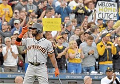 San Francisco Giants right fielder Andrew McCutchen acknowledges a standing ovation from the crowd in the first inning against the Pirates Friday, May 11, 2018 at PNC Park. (Matt Freed/Post-Gazette)