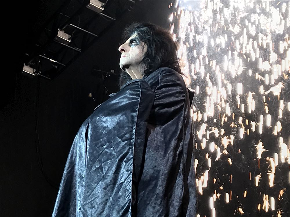 Stage Ae Halloween Party 2020 Alice Cooper is the perfect master of ceremonies for WDVE