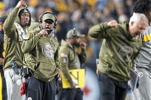 Pittsburgh Steelers head coach Mike Tomlin reacts after a field goal against Carolina Panthers on Thursday, Nov. 8, 2018, at Heinz Field in the North Shore. (Steph Chambers/Post-Gazette)