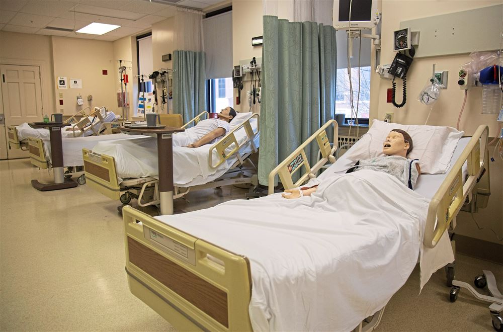 A rush for nurses strains colleges and hospitals as health