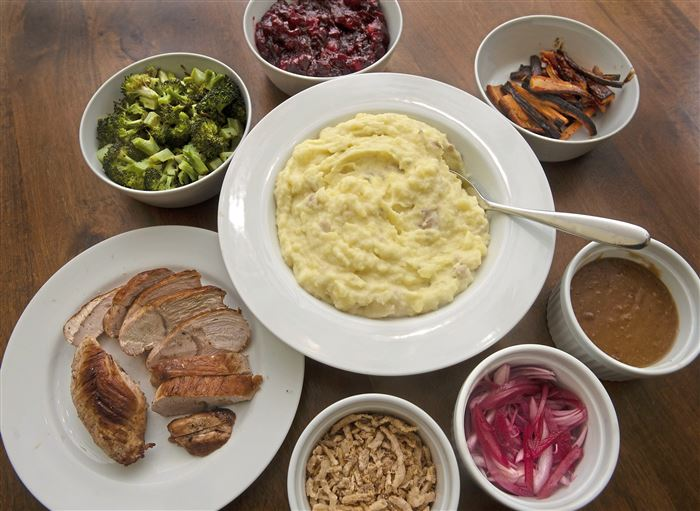 CDC makes recommendations for Thanksgiving 2020 gatherings: Keep them small and local